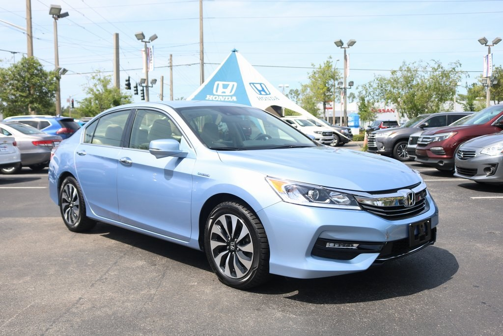 Certified Pre-Owned 2017 Honda Accord Hybrid Base